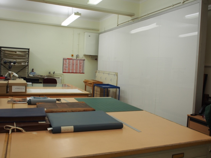Conservation space with upright light box
